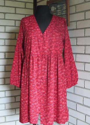 Платье красное в черно-белые сердечки 20 р-ра.