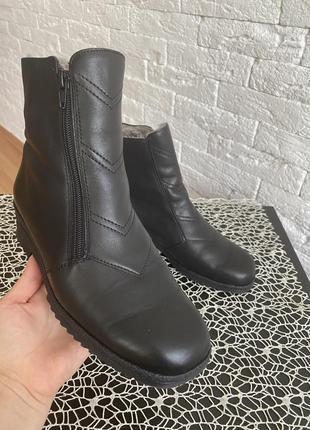 Ботинки кожаные на овчине ara