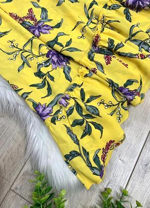 Яркая юбка асимметрия с цветочным принтом4 фото