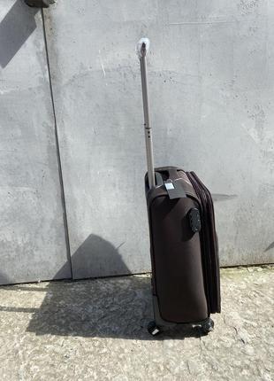 Чемодана большой на колёсах, дорожный средний чемодан на колёсах, валіза дорожня на колесах3 фото