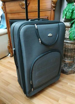 Велика валіза чемодан на 4колесах  дорожня сумка