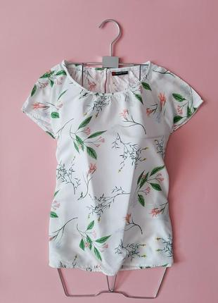 Белая блуза в цветы вискоза