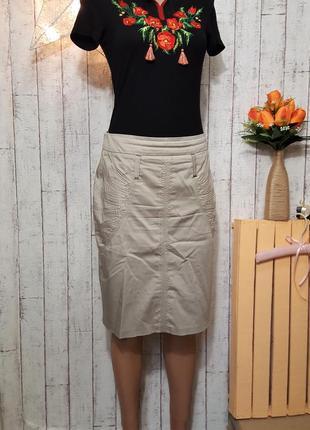 Светло серая юбка карандаш юбочка миди с вышивкой р. s - м
