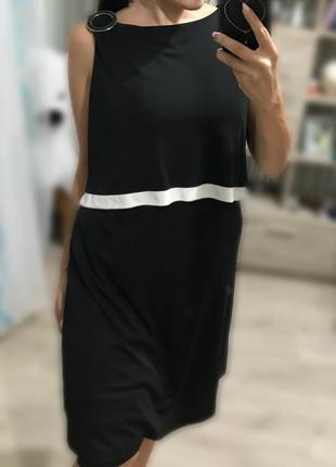 Чёрное стильное женское платье