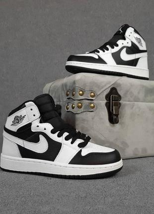 Женские кроссовки nike air jordan белые с чёрным / жіночі кросівки найк білі з чорним