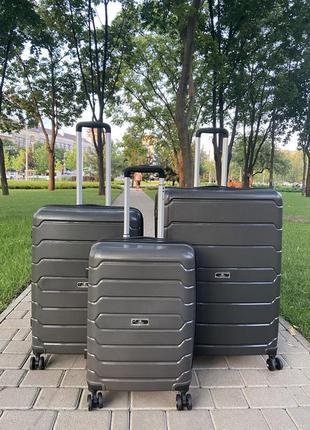 Качественный чемодан!!!полипропилен ,валіза ,надёжный ,двойные колеса,дорожная сумка ,сумка на колёсах