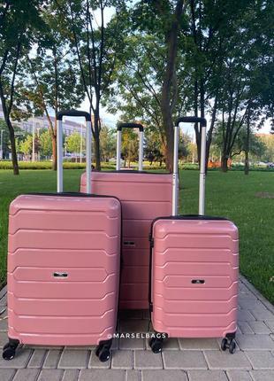 Качественный чемодан,валіза ,дорожная сумка ,надёжный ,двойные колеса,кодовый замок1 фото