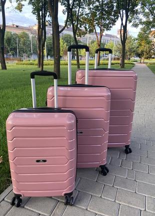 Качественный чемодан,валіза ,дорожная сумка ,надёжный ,двойные колеса,кодовый замок7 фото