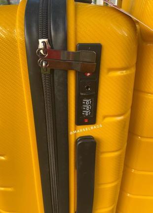 Качественный чемодан!!!полипропилен ,дорожная сумка ,сумка на колёсах ,надёжный ,двойные колеса,кодовый замок2 фото