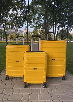Качественный чемодан!!!полипропилен ,дорожная сумка ,сумка на колёсах ,надёжный ,двойные колеса,кодовый замок5 фото