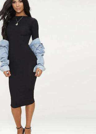 Чёрное платье в рубчик prettylittlething