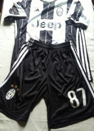 Футбольный костюм итальянской команды оригинал!!!милан