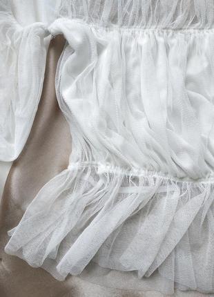 Невесомый кроп топ на плечи из органзы с обьемными рукавами5 фото