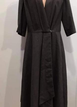 Жіноча сукня від італійського дизайнера роберто бартолоні