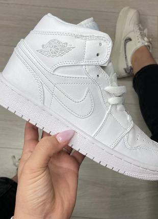 Nike air jordan white кроссовки найк женские джордан обувь взуття кеды