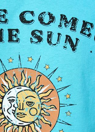 Голубая кроп футболка koton с принтом и надписью солнце here comes the sun, beatles3 фото