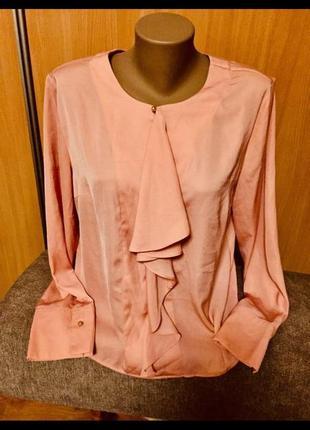 Красивая и нарядная блуза