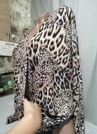 Блуза принт на запах3 фото