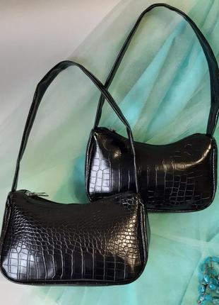Черная сумочка багет
