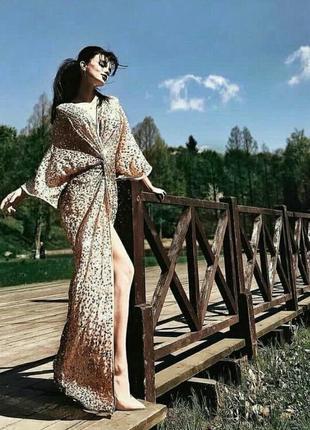 Роскошное платье -кимоно макси с декоративной отделкой пайетками