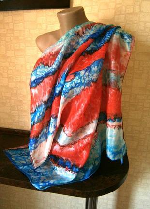 Красивый платок из натурального шелка ручной работы.