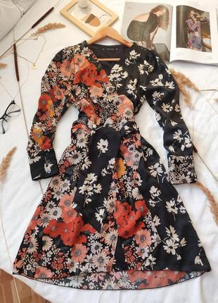 Цветочное платье миди на запах в стиле печворк