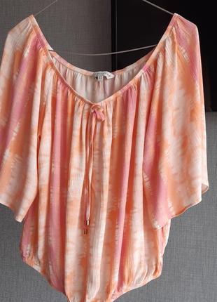 Стильная укороченная блуза