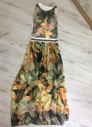 Платье нарядное шикарное