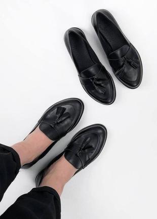 Рр 36-40. чёрные кожаные туфли лоферы с кисточками из натуральной кожи