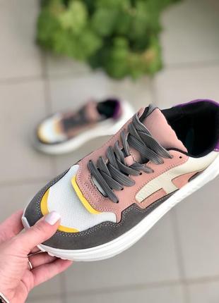 Кросівки жіночі2 фото