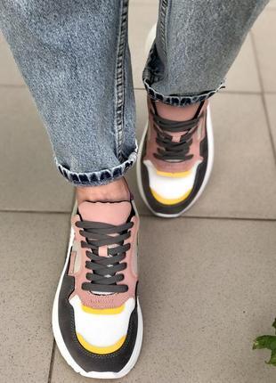 Кросівки жіночі5 фото