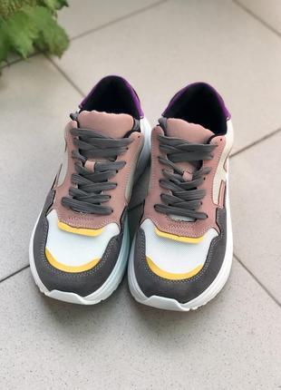 Кросівки жіночі6 фото