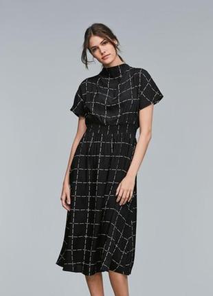 Стильное платье в клетку