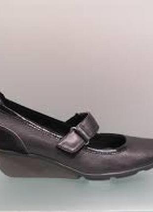 В наличии туфельки clarks отличного качества кожа