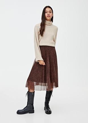 Плиссированная юбка в принт pull&bear