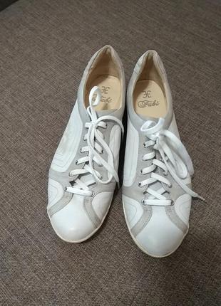Шкіряні туфлі кросовки