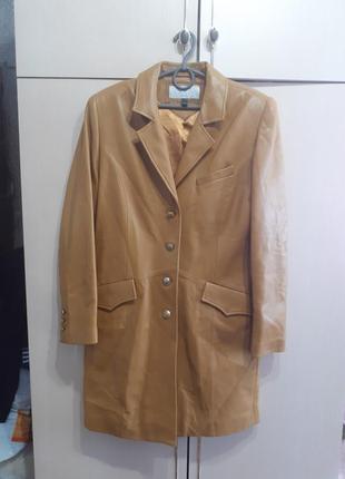 Kyria куртка кожаная .пиджак.плащ