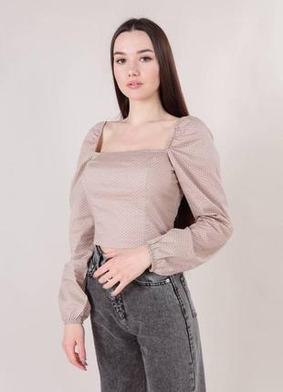 Блузка в горошек с объемными рукавами
