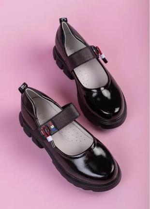 Лаковые туфли для девочки супинатор чёрные для школы