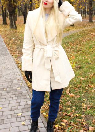 Шикарное пальто для настоящей принцессы!