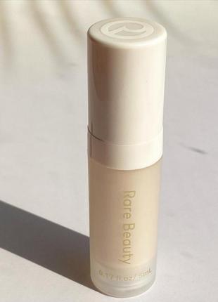 Праймер база под макияж rare beauty by selena gomes illuminating primer 5 мл