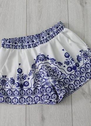 Красивые шорты с орнаментом