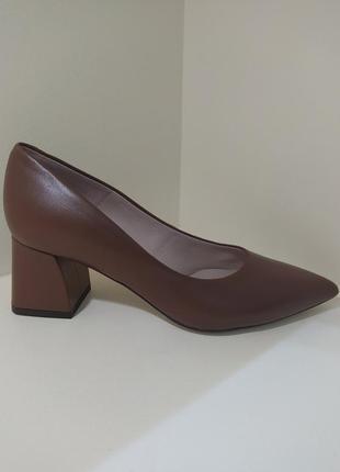 Неймовірні шкіряні туфлі
