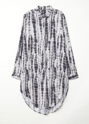 Платье-туника из натуральной ткани, свободного кроя. в идеальном состоянии.