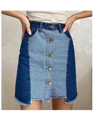 Джинсовая юбка в стиле пэчворк на пуговицах