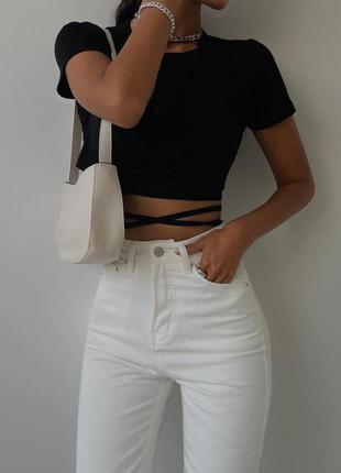 Стильный топ на завязках в чёрном цвете и в белом цвете