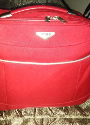 Aries брендовая  сумка/портфель/кейс  для ноутбука на молнии .  размеры : 40 x 31x 18 см.