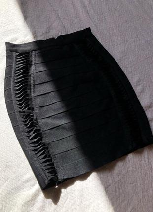 Крутая бандажная юбка чёрная мини