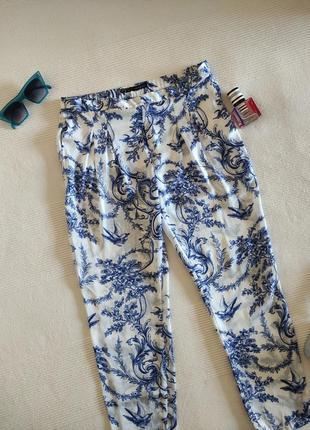 Атласные штаны в пижамном стиле