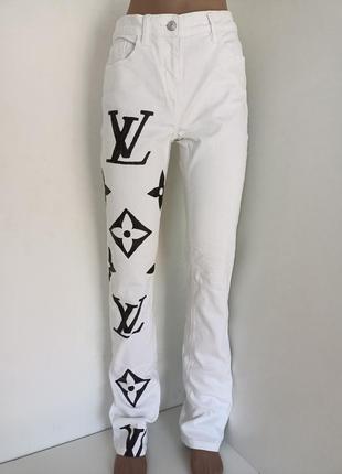 Белые джинсы. ручная роспись